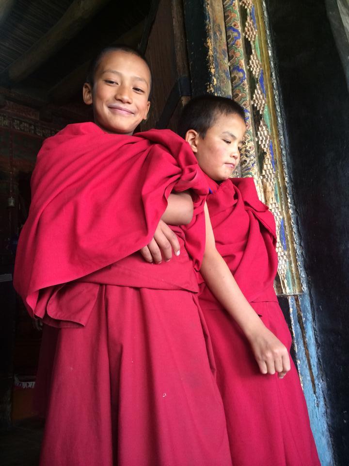 Krásné stvoření mezi mnišskými zdmi