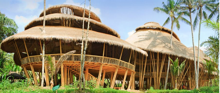 Green School na Bali a jeho magické eko-prostředí