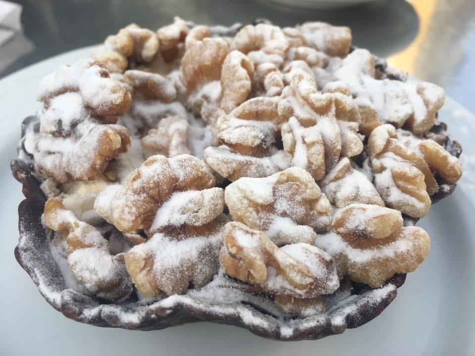 Ořechový košíček k snídani mě baví