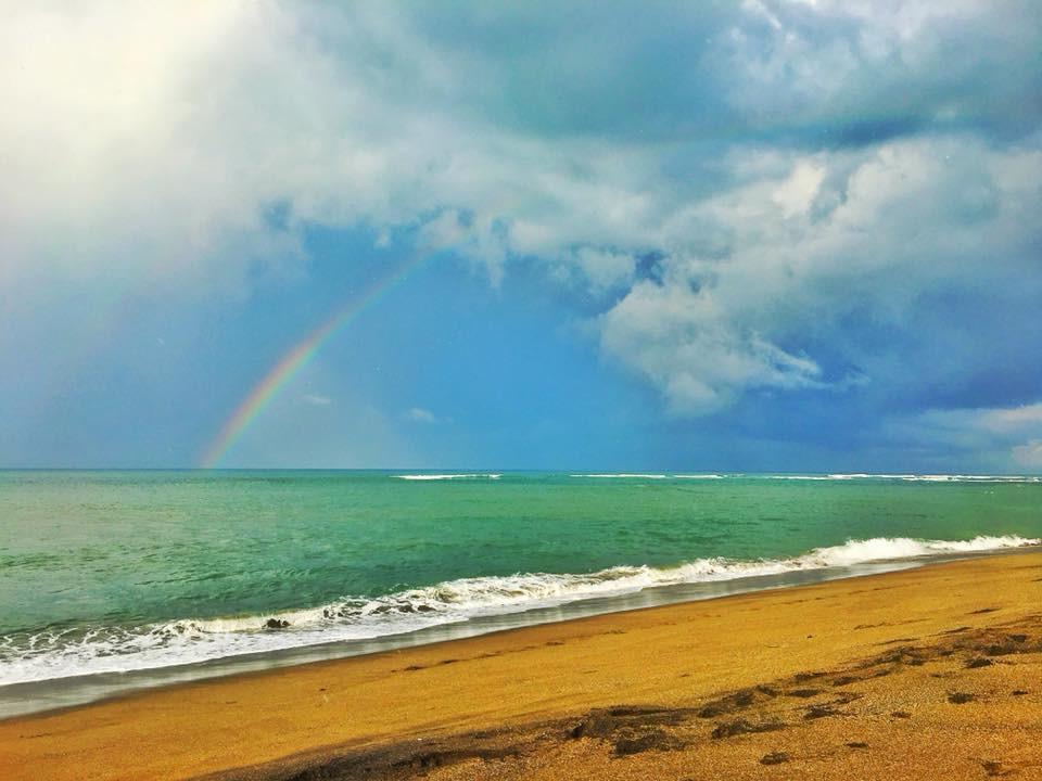 Bali kouzlí duhy a kéž lidi najdou v sobě poklady a jsou šťastní