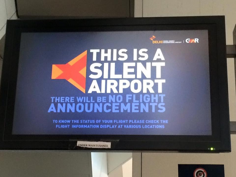 Tiché letiště v Dillí, to jsou nám paradoxy v Indii:-)