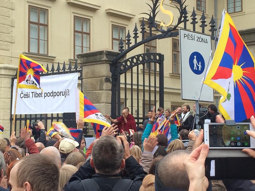 Jeho Svatost Dalajláma a Praha