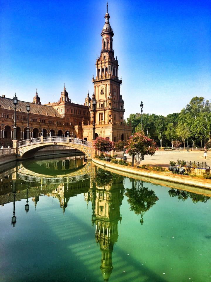 Zrcadlová hra na Plaza de Espaňa - Sevilla