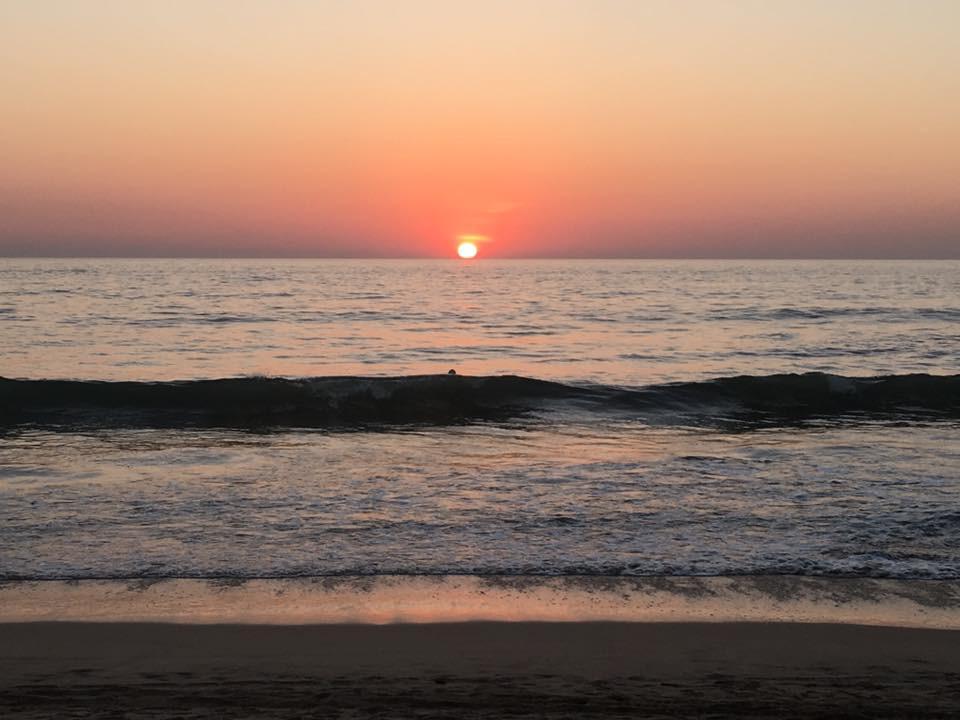 Západ slunce v Agondě