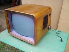 Uralter Fernseher Marke Philips Jahrgang 1958