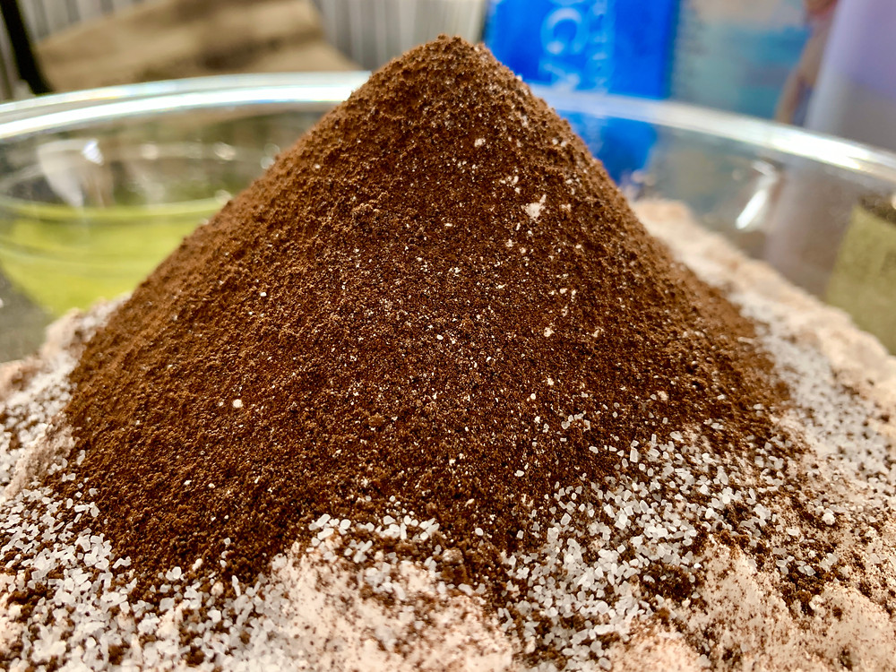 Dry ingredient mountain