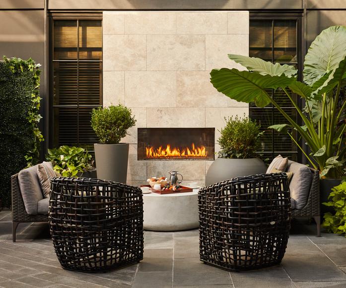 191013-SPB_06-Courtyard-Fireplace_0222.j