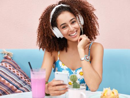 Anunciar no rádio aumenta em média 17% o tráfego de portais e sites.