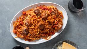 Almôndegas de frango com spaghetti