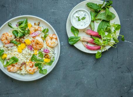 Cuzcuz com camarão, manga e sementes de chia