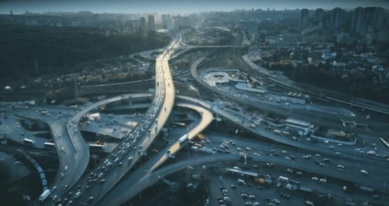 busy_cross_roads_in_city_800x424
