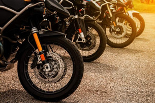 2 Off & 3 On Road Motorcycle Tires (Video Reviews)