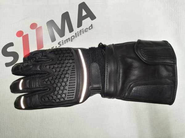 full upper view of the motorcycle adventure glove
