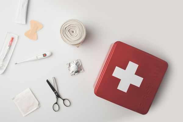 first aid kit essentials_600x400.jpg