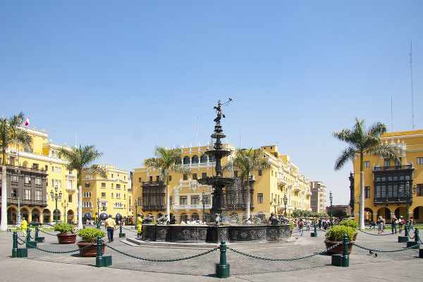 central square in lima peru