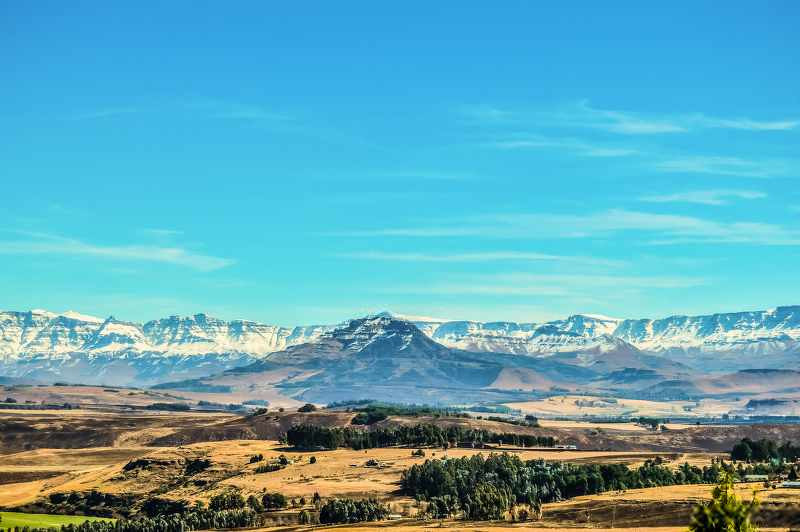 Drakensberg  national park mountains south africa_800x532