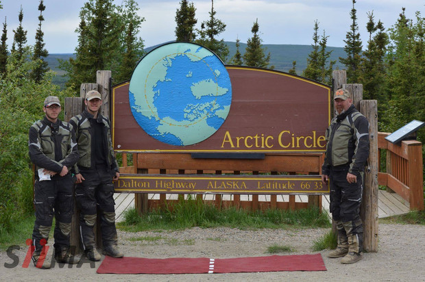 the arctic cirle sign with siima sibirsky suit