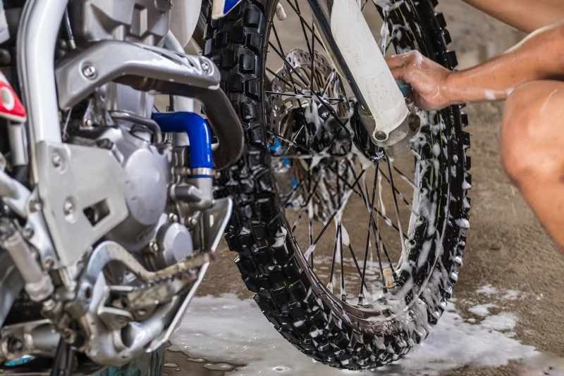 motorcycle_wheel_washed_800x534