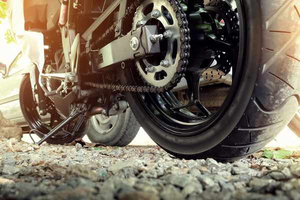 motorbike tensed chain and how to adjust it