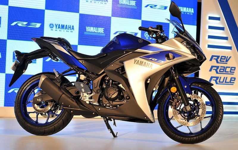 Yamaha YZF-R3 in showroom_800x504.jpg