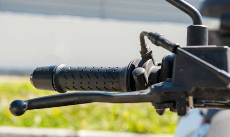 motorcycle grip with brake lever_800x475