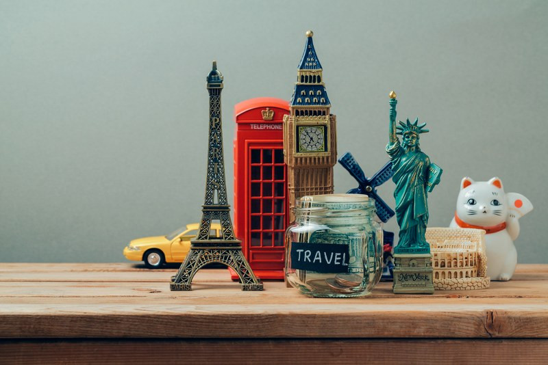 miniature monuments of different statuses such as statue of liberty, big ben and others.jpg