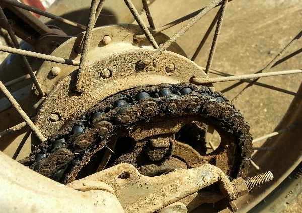 bad motorbike chain condition