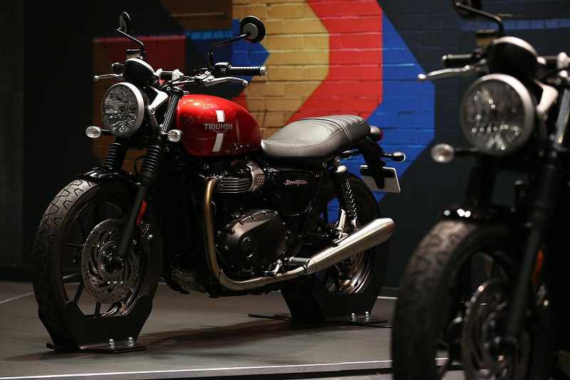 Triumph Bonneville Street Twin being showed at the expo_800x534.jpg