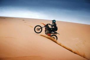 The History of Rally Dakar (Video)