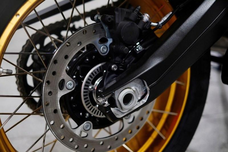 rear motorcycle brakes_800x534.jpg