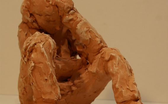 1 Sculpture terre rouge - hauteur 27 cm