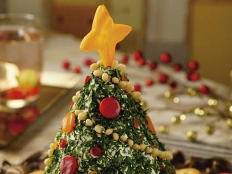 Dip de queso crema en forma de árbol de navidad