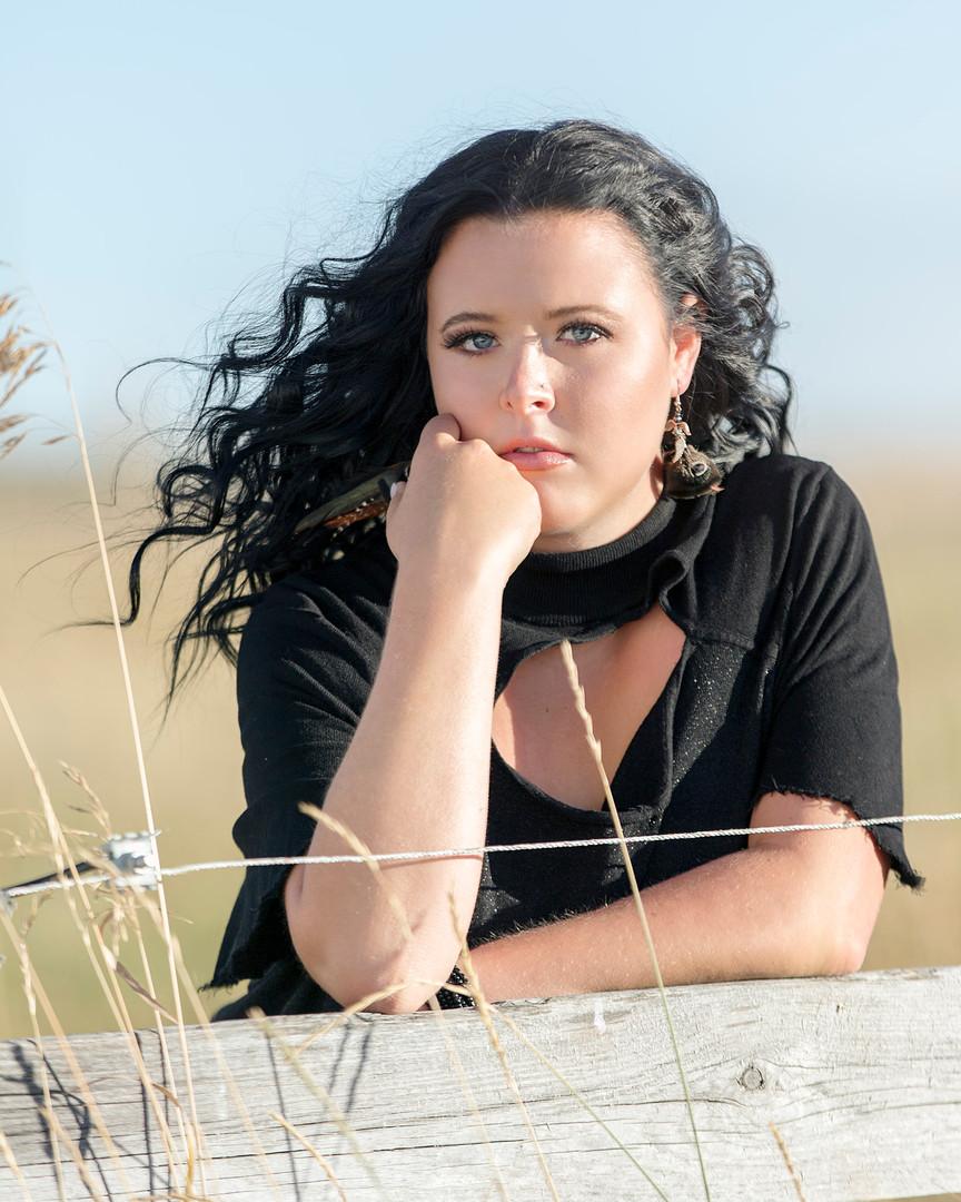 julia black shirt 1 web.jpg