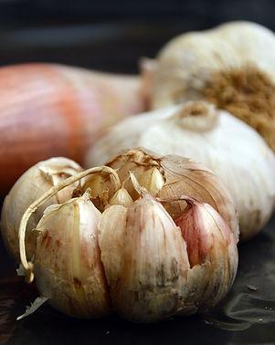 garlic-3765705_1920.jpg