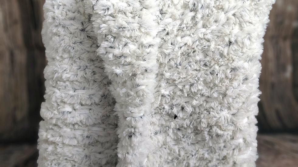 faux fur yarn throws
