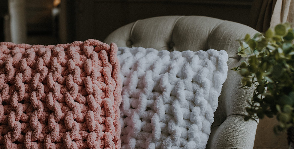 chunky knit chenille cushion -soft pink