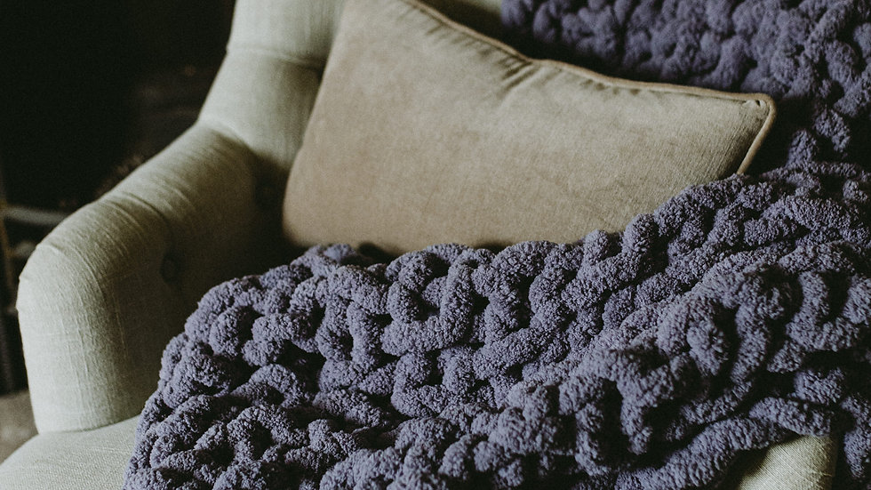 chunky hand knit throw/blanket - small