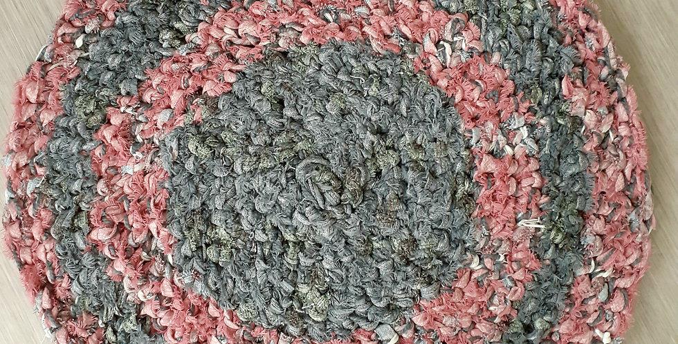 pink & grey blanket edge yarn circular rug