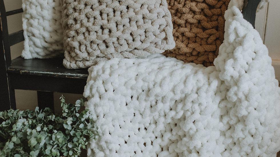 Hand knit chunky blanket - medium