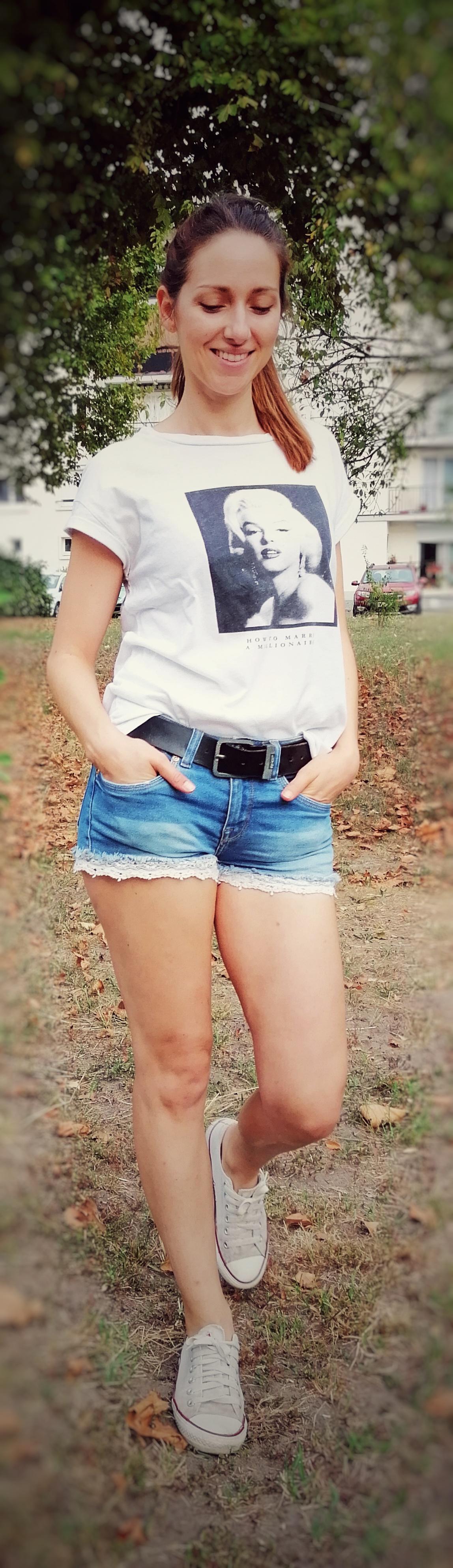 Ceinture Levi's et tee-shirt Marilyn
