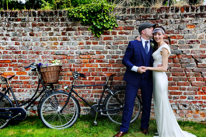 Julia Toma`s Relaxed and Fun Wedding in Granchester, Cambridge.