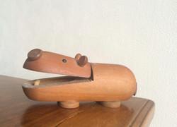 木玩具カバ