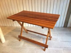テーブル03