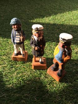 木玩具船乗り