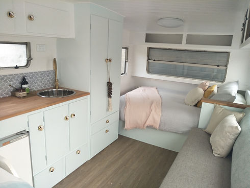 Jodie Viscount caravan classic renovatio