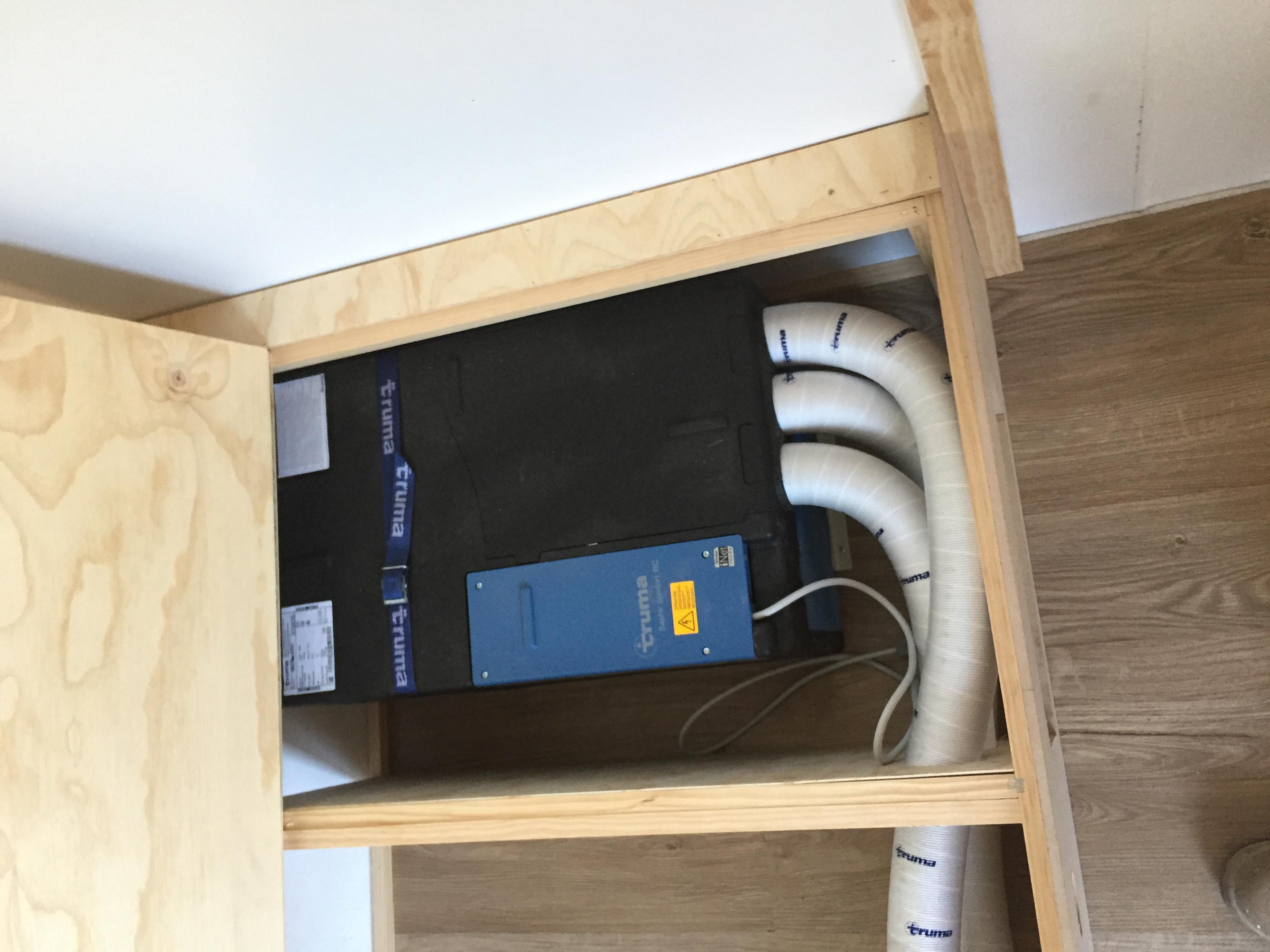 Sarah vintage caravan renovation truma saphir air conditioner