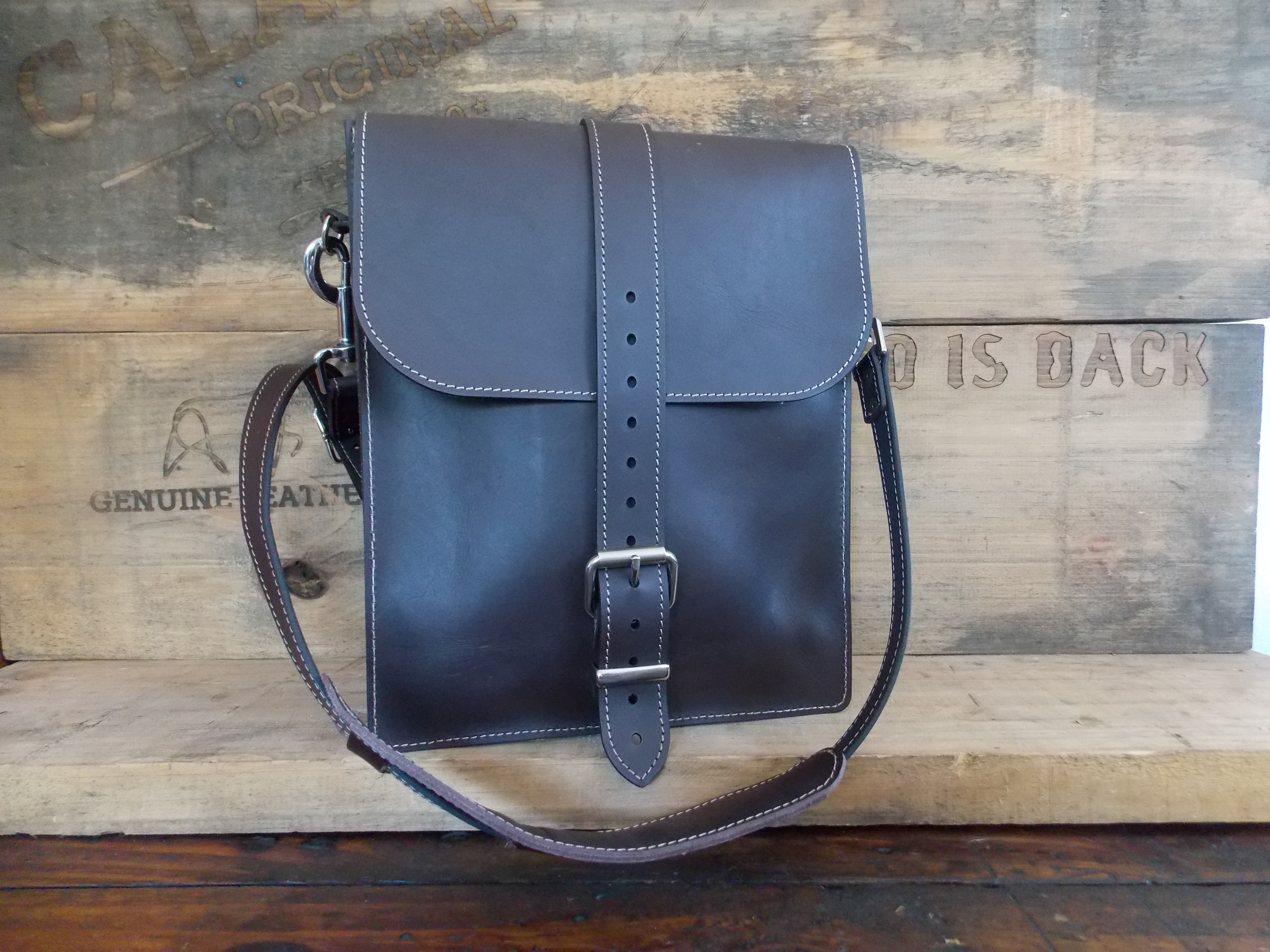 Booker & Jack - Messenger Bag
