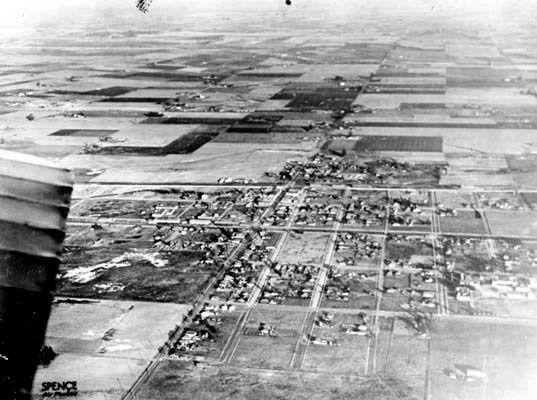 Compton1920.jpg