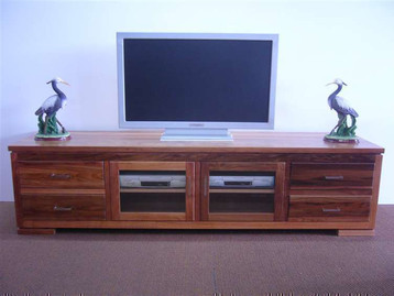 Blackwood  Sorrento Lowline Unit.