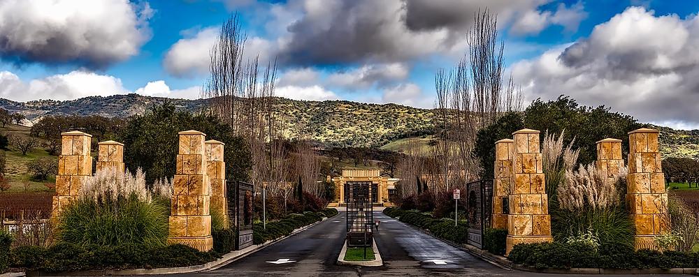 https://pixabay.com/photos/winery-napa-valley-california-1588676/